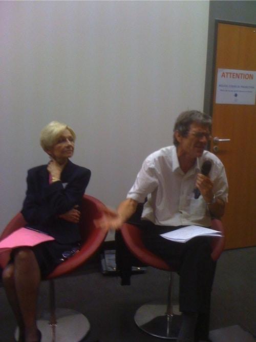 Anne Marie Comparini, ancienne présidente du Conseil régional Rhône-Alpes et Bernard Husson économiste, aujourd'hui, président délégué du Conseil lyonnais pour le respect des droits, participaient au débat.